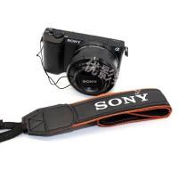 Dây đeo máy ảnh Sony chính hãng tại dmax98.com